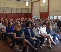 Students Gather to Worship in International Service