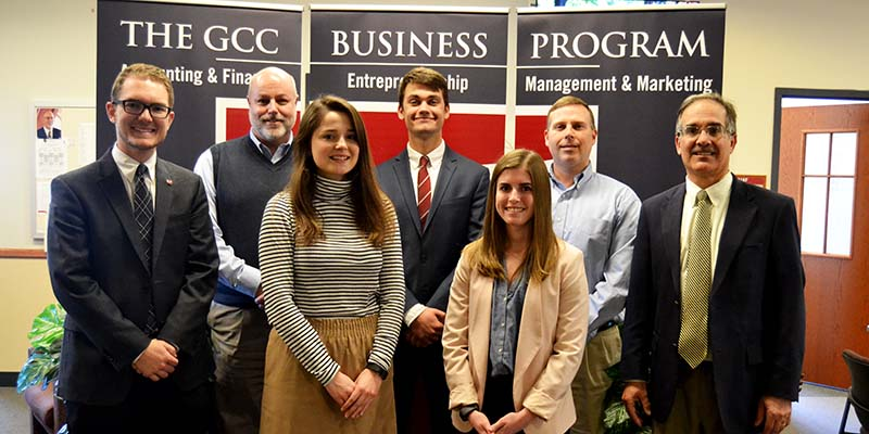 Students enter community banking contest